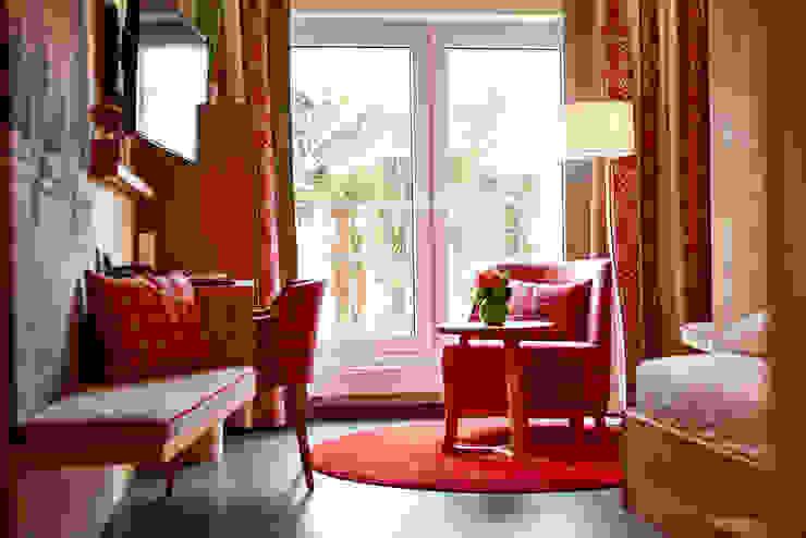 BAUR WohnFaszination GmbH Hotels Red