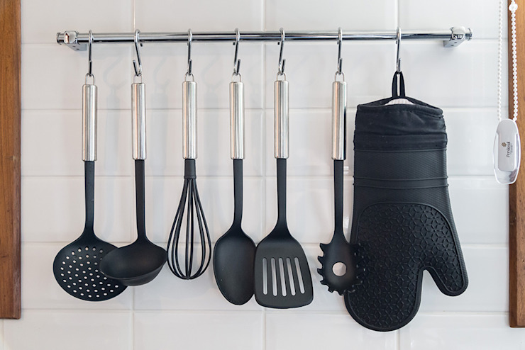 Utensílios de Cozinha por Rabisco Arquitetura Eclético Metal
