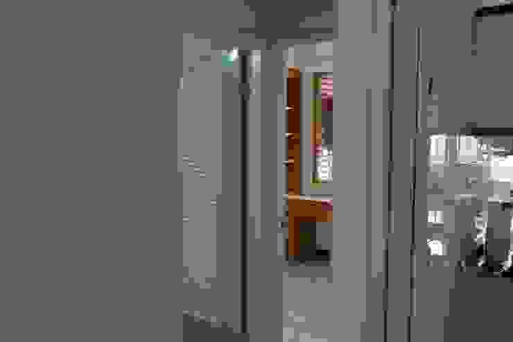 公用衛浴及臥房(三) 根據 致室內設計個人工作室