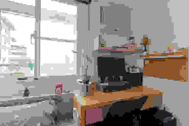 臥室(二) 根據 致室內設計個人工作室