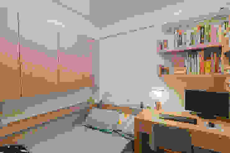 臥室(三) 根據 致室內設計個人工作室
