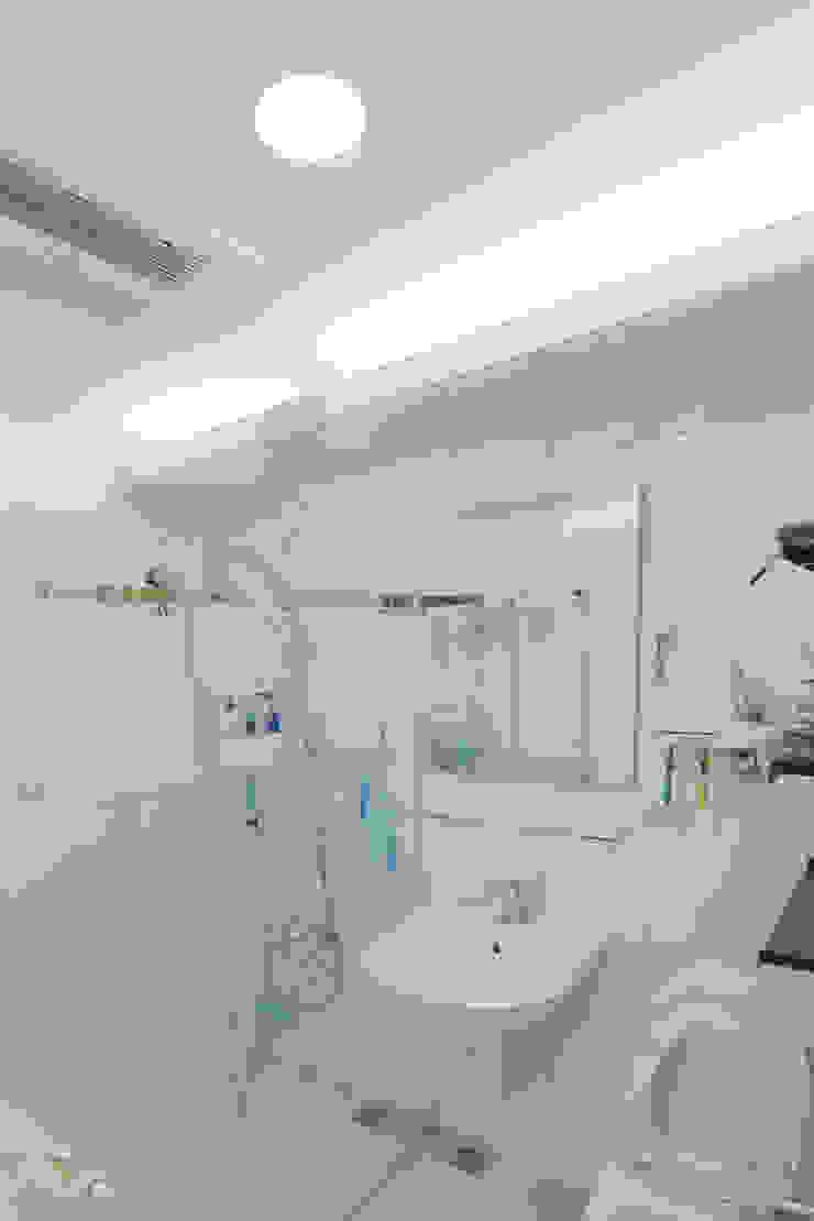 公用衛浴 根據 致室內設計個人工作室