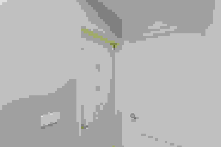 廁所門 根據 致室內設計個人工作室