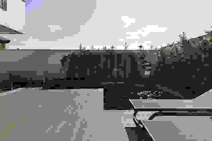 Piscina Rabisco Arquitetura Piscinas de jardim Pedra Verde