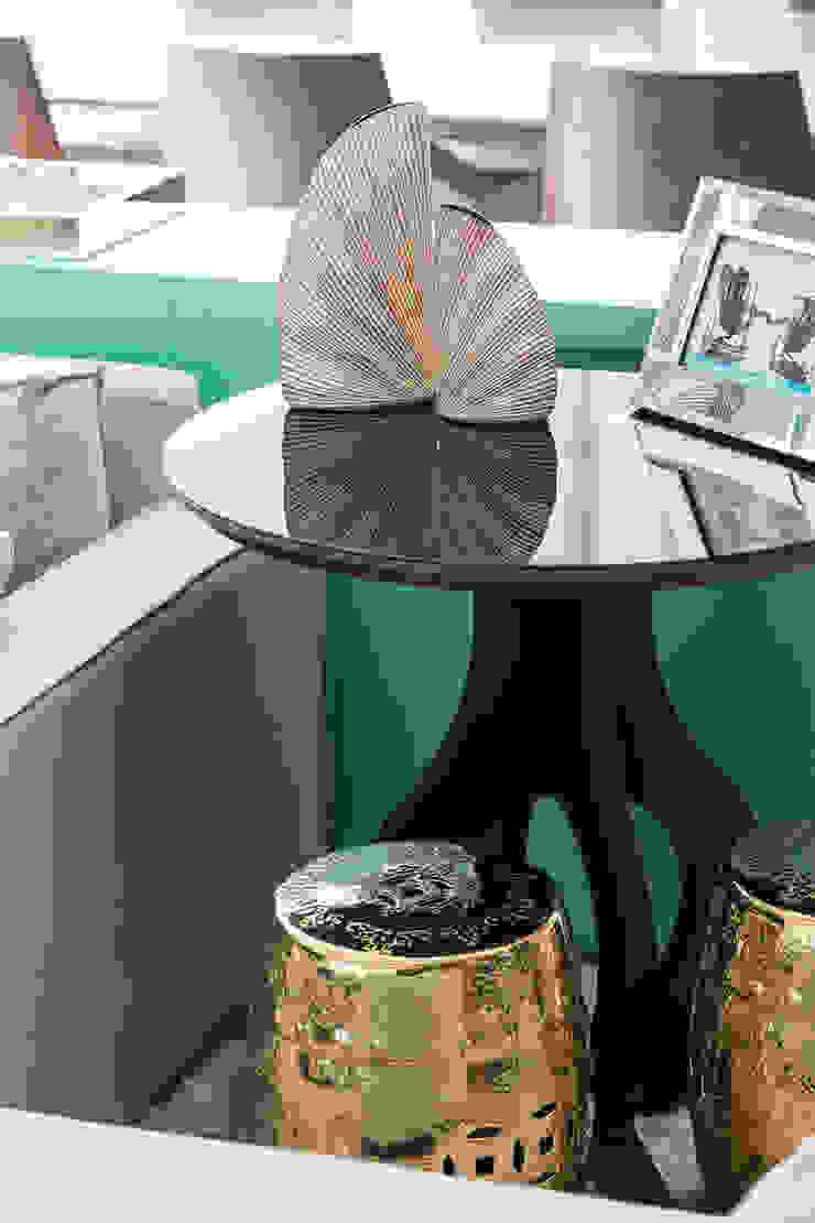 Rabisco Arquitetura Modern living room Wood Wood effect