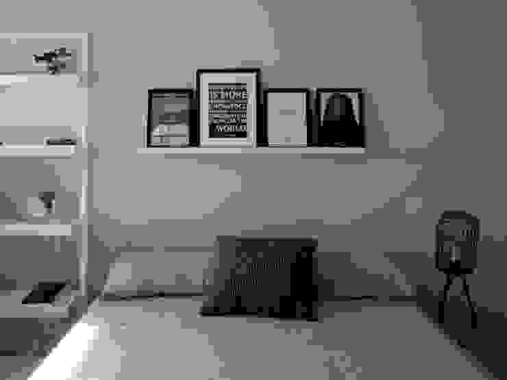 Reforma integral de piso en Moratalaz Dormitorios de estilo moderno de Reformmia Moderno