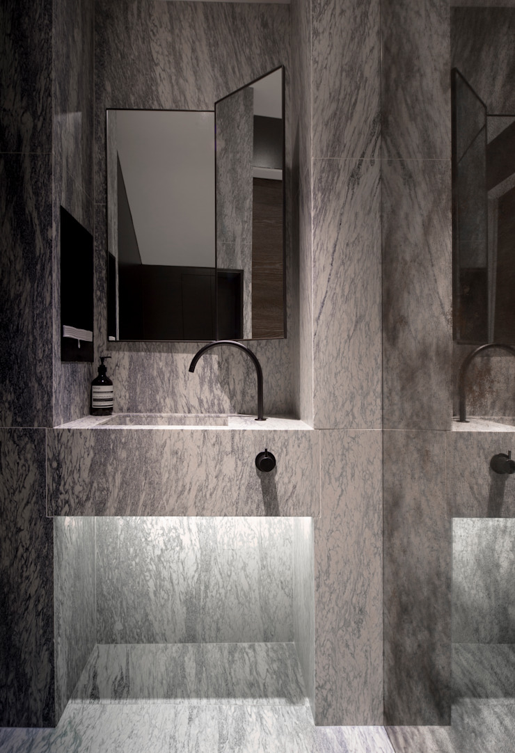 St John's Wood Family Home, Powder Room Roselind Wilson Design Baños de estilo moderno
