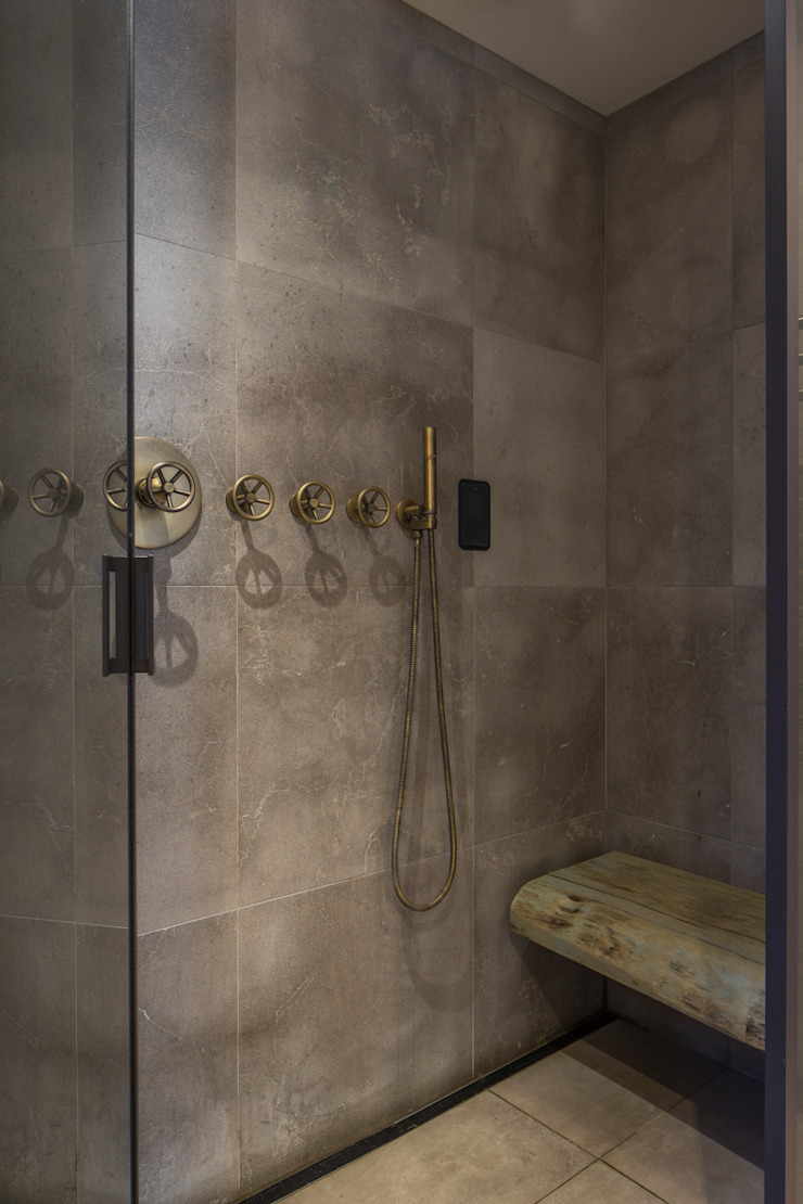 St John's Wood Family Home, Master Bathroom Shower Roselind Wilson Design Baños de estilo moderno