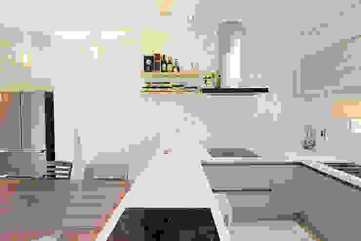 Kitchen by 코원하우스