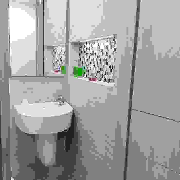Baños de estilo  por Erick Becerra Arquitecto,