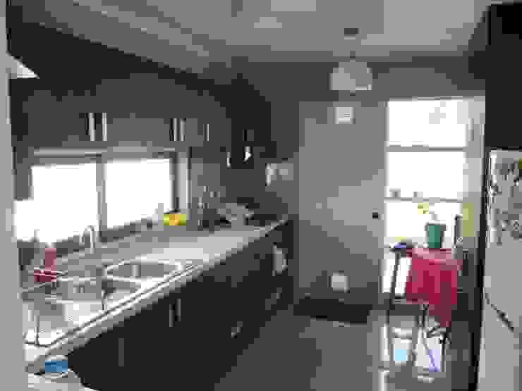 Casa Cruz de Lorena Cocinas de estilo moderno de Lau Arquitectos Moderno