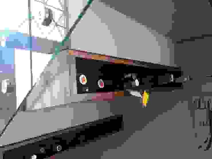 Casa GJ de Estudio Chipotle Ecléctico Madera Acabado en madera