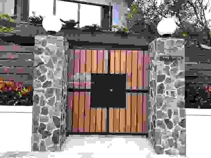 東吳大學前 私人住宅大門設計 根據 新綠境實業有限公司 北歐風 塑木複合材料