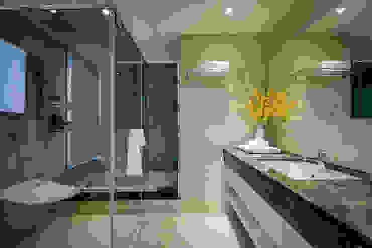 明日城 現代浴室設計點子、靈感&圖片 根據 星葉室內裝修有限公司 現代風