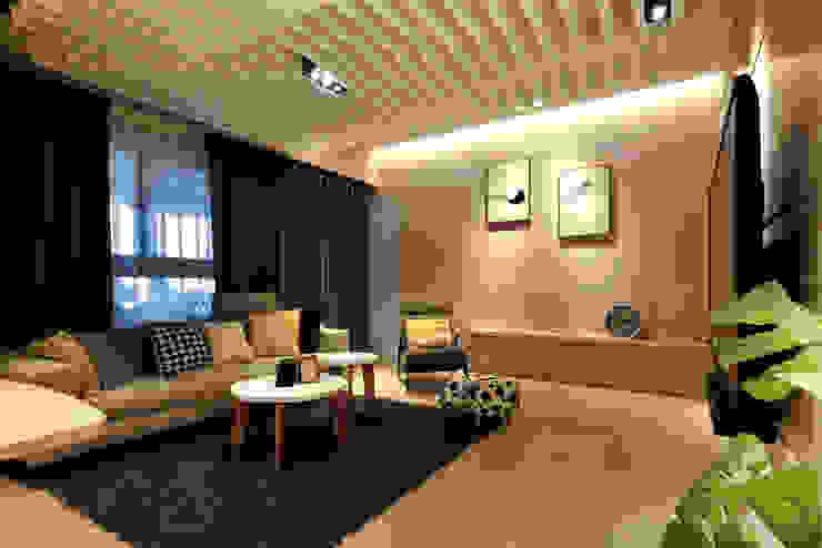 浪漫滿屋 现代客厅設計點子、靈感 & 圖片 根據 星葉室內裝修有限公司 現代風