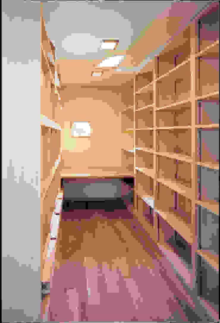 湘南の海を眺望し、本格的なオーディオルームを楽しむ モダンデザインの 書斎 の 豊田空間デザイン室 一級建築士事務所 モダン