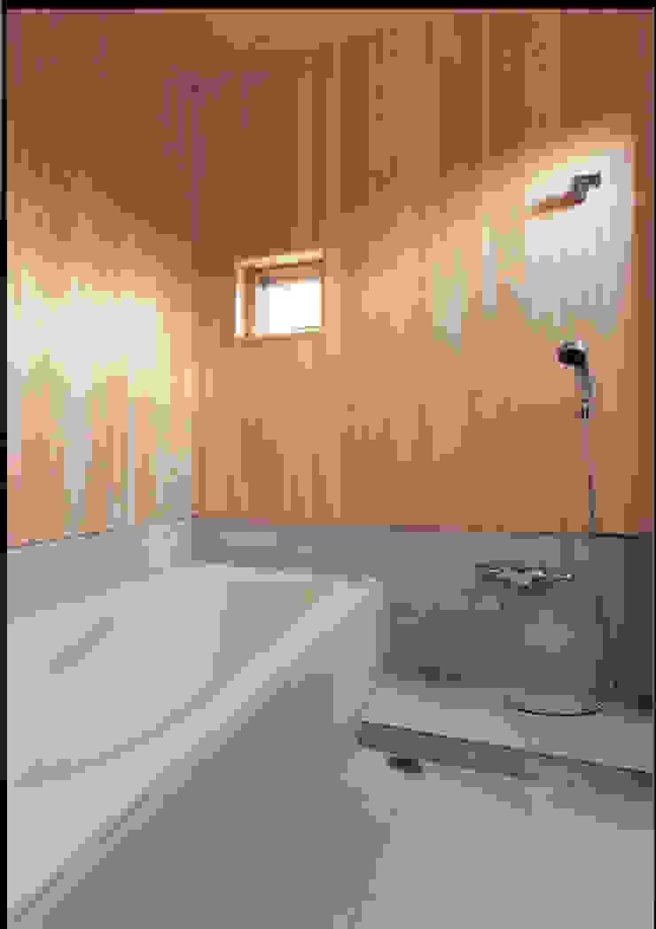 湘南の海を眺望し、本格的なオーディオルームを楽しむ モダンスタイルの お風呂 の 豊田空間デザイン室 一級建築士事務所 モダン