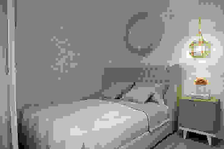 Студия архитектуры и дизайна Дарьи Ельниковой Eclectic style bedroom