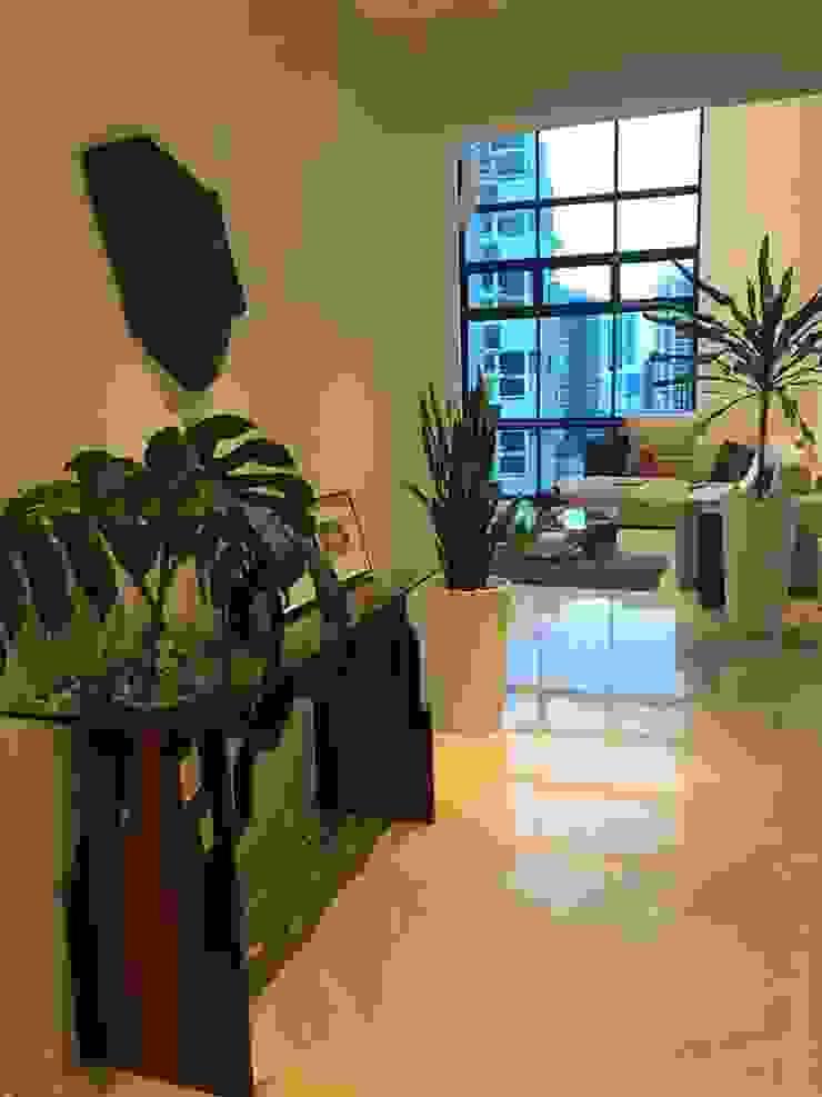 Scandinavian Luxury Scandinavian style corridor, hallway& stairs by Singapore Carpentry Interior Design Pte Ltd Scandinavian