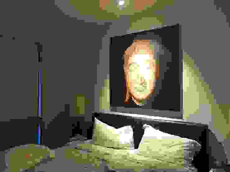 Scandinavian Luxury Scandinavian style bedroom by Singapore Carpentry Interior Design Pte Ltd Scandinavian