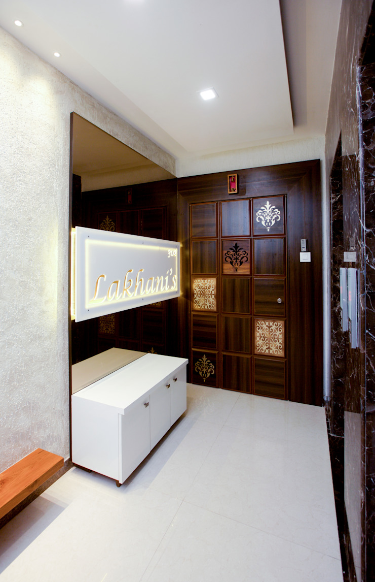 Modern Corridor, Hallway and Staircase by Urbane Storey Modern