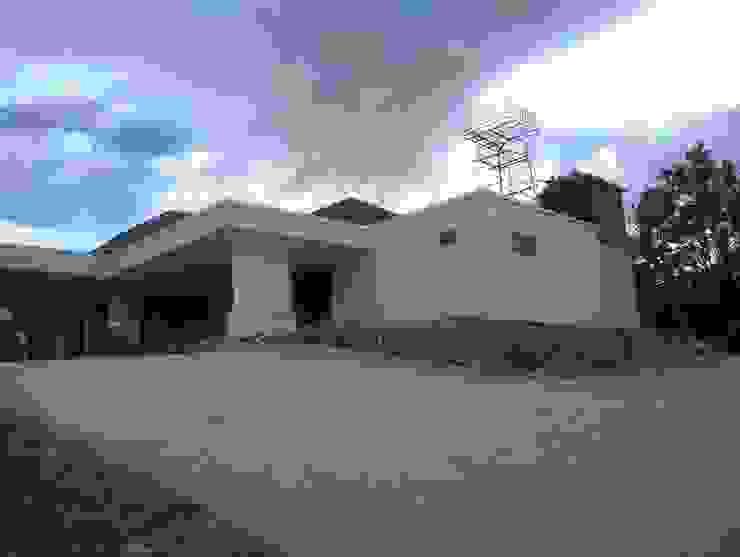 Entrance Bagas Godang Oleh Code ArchitecTeam Studio Tropis