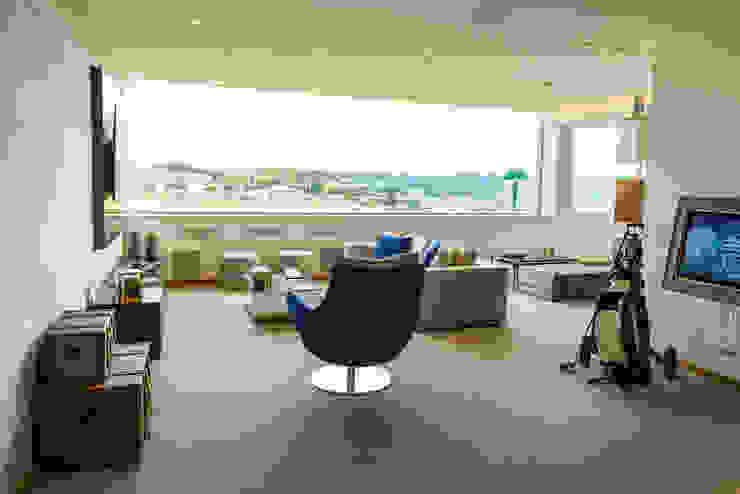 modern  by dome4u - domotica -  integração - engenharia, Modern Glass
