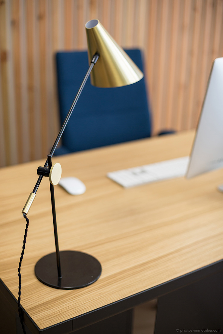 Estudios y despachos de estilo moderno de Julie Chatelain Moderno