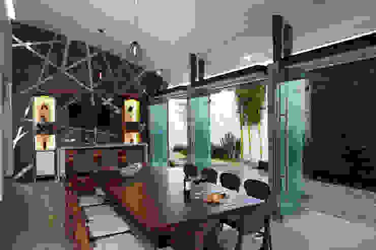 terraza Balcones y terrazas de estilo moderno de arketipo-taller de arquitectura Moderno