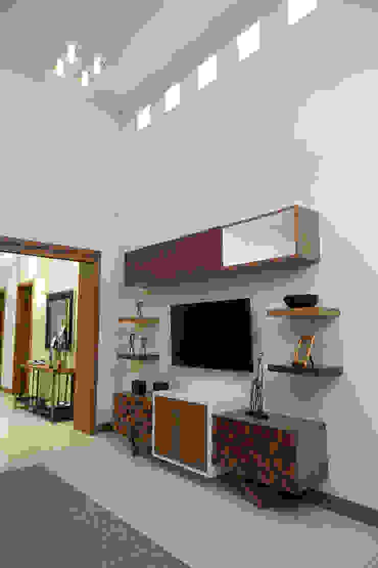 estar television Salas modernas de arketipo-taller de arquitectura Moderno