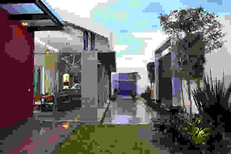 vista del interior Casas modernas de arketipo-taller de arquitectura Moderno