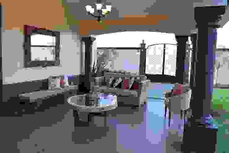 Balkon, Beranda & Teras Gaya Mediteran Oleh arketipo-taller de arquitectura Mediteran