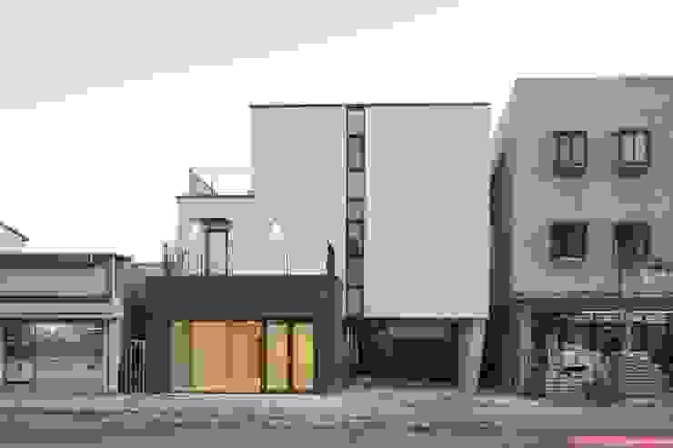 Modern home by 'Snow AIDe Modern
