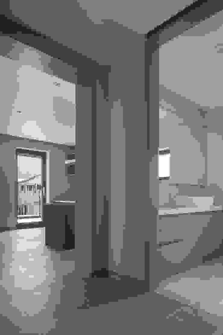 Modern bathroom by 'Snow AIDe Modern