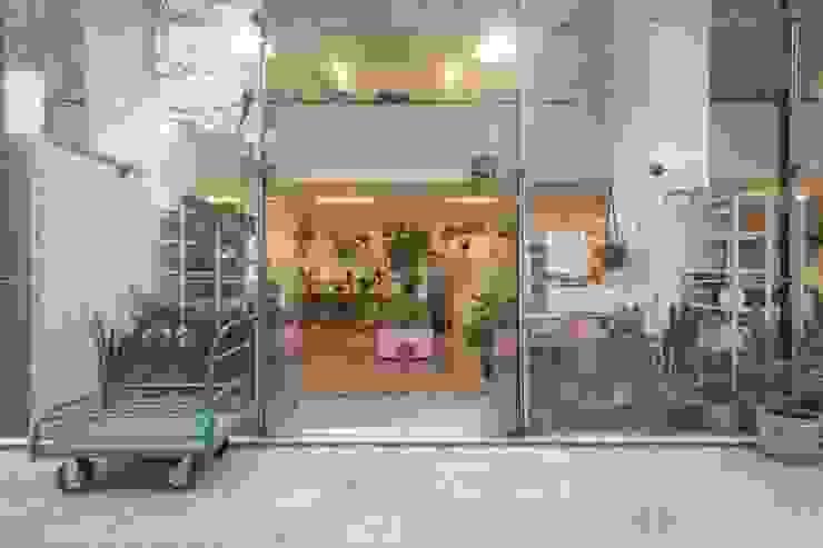 Minimalistische Geschäftsräume & Stores von 3JP Engenharia Minimalistisch Glas