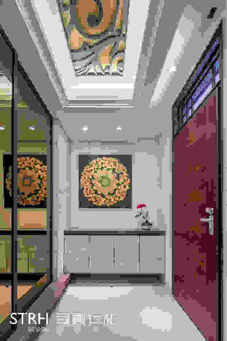 帝闊建設實品屋 經典風格的走廊,走廊和樓梯 根據 司創仁和匯鉅設計有限公司 古典風