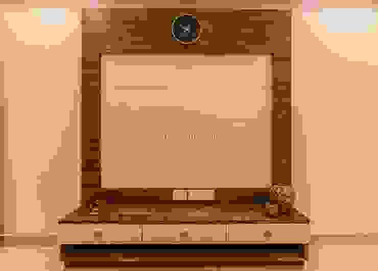 3 bhk complete home interiors in Blue Ridge Township ( Pune) The D'zine Studio Modern living room
