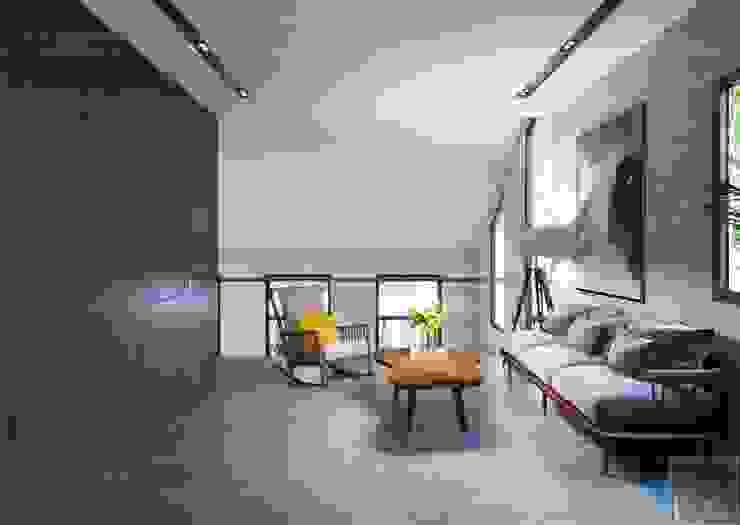 Thiết kế biệt thự hiện đại đẳng cấp với gỗ tự nhiên Phòng giải trí phong cách hiện đại bởi ICON INTERIOR Hiện đại