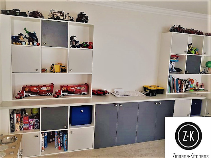 Storage Units / Shelving : classic  by Zingana Kitchens and Cabinetry , Classic