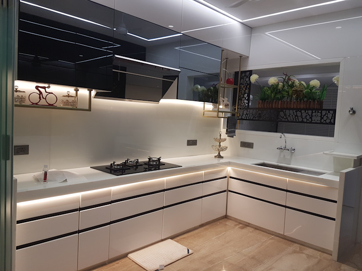 Budgeted Luxury Modern kitchen by House2home Modern