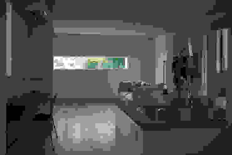 Modern dining room by yuukistyle 友紀建築工房 Modern