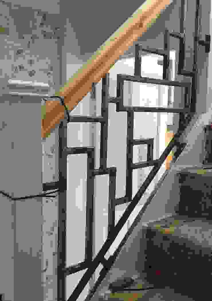 Moder Staircase ZENTIA Couloir, entrée, escaliersEscaliers Métal Gris