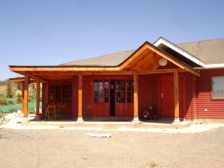CORREDOR Pasillos, halls y escaleras rurales de ARKITEKTURA Rural Compuestos de madera y plástico