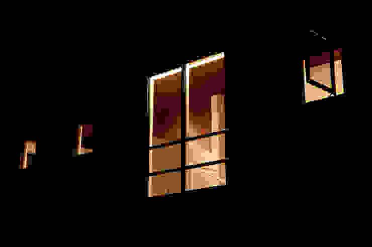Takeru Shoji Architects.Co.,Ltd Eclectic style houses