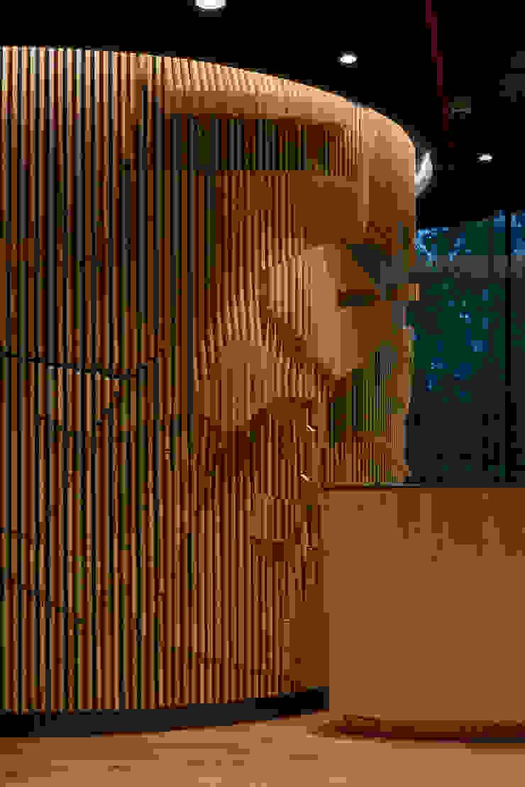 Oficina Oficinas y bibliotecas de estilo moderno de LEON CAMPINO ARQUITECTURA SPA Moderno