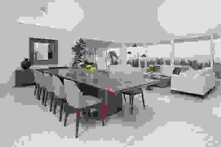 Casa Blanca Comedores modernos de Carlos De La Rosa Moderno