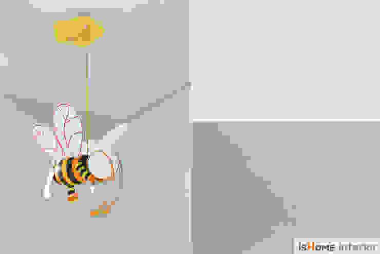 헤링본 마루가 매력적인 44평 송도아파트 모던스타일 벽지 & 바닥 by 이즈홈 모던