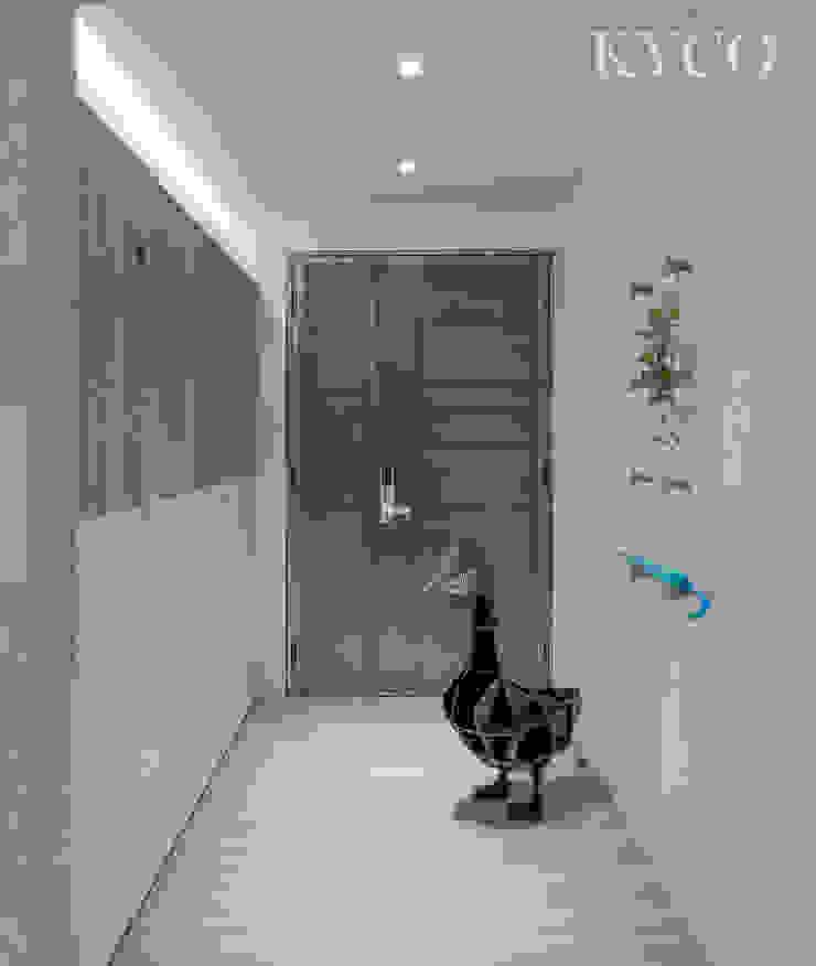 浮光LOFT 芮晟設計事務所 現代風玄關、走廊與階梯 塑木複合材料 White