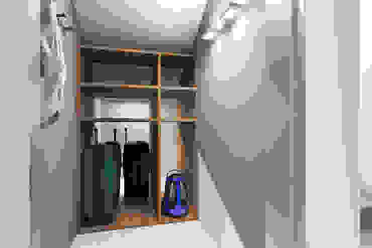 Style Home Ruang Ganti Minimalis