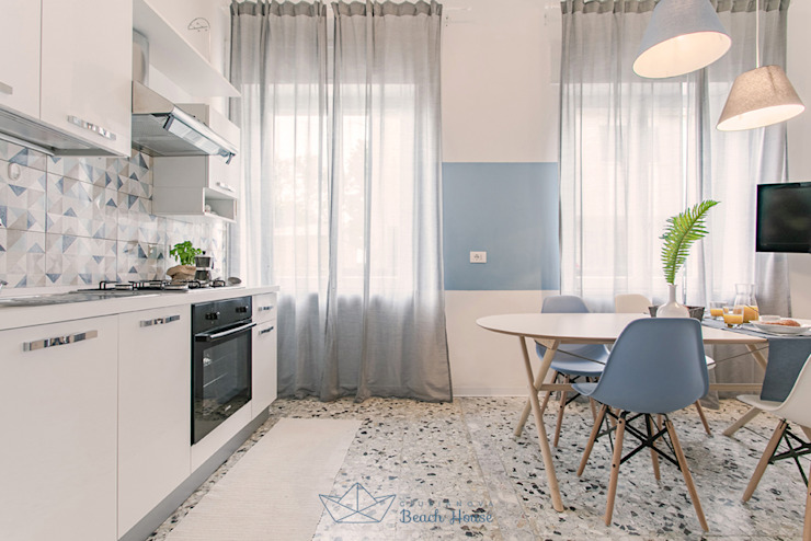 Habitat Home Staging & Photography ห้องครัว White